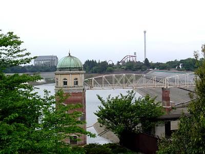 取水塔のある風景